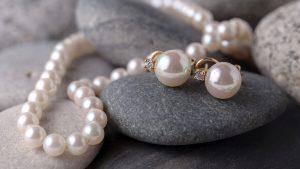 Perlele sunt pietre prețioase unicate, care deja din timpuri străvechi se folosesc în bijuterii